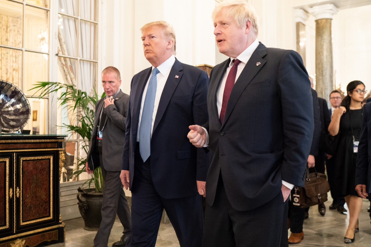 Trump con Johnson no G7